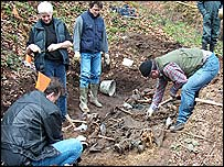Eva Klonowski(2nd left) at an exhumation in Bosnia