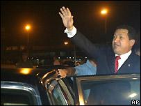 El presidente venezolano Hugo Ch�vez a su llegada a La Habana