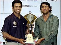 Rahul Dravid and Younis Khan with the one-day trophy