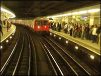Interior de una estación del metro de Londres