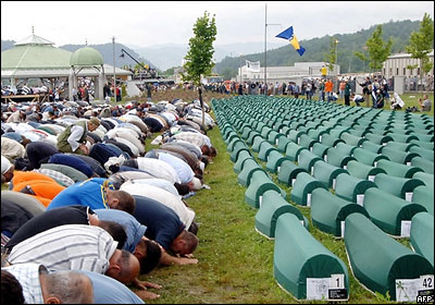 41292381 srebrenitsa prayer 400