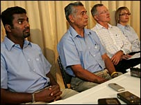 Muttiah Muralitharan, team manager Michael Tissera, Professor Bruce Elliott and biomechanist Jacquie Alderson
