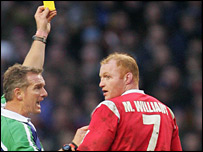 Referee Paul Honiss sin-bins Wales flanker Martyn Williams