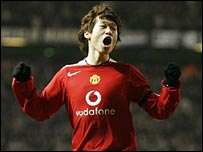 Park celebrates after putting Manchester United ahead
