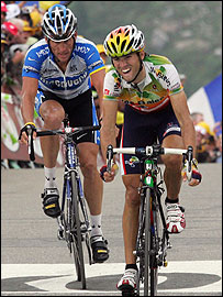 Alejandro Valverde (right) leads Lance Armstrong to the finish