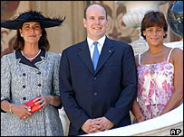 Prince Albert with sisters Caroline (left) and Stephanie (right) on the day of his enthronement