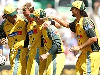 Australia celebrate a wicket at The Oval