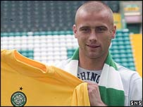 Artur Boruc signs on at Celtic Park