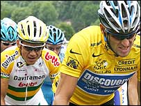 Robbie McEwen (left) with Lance Armstrong