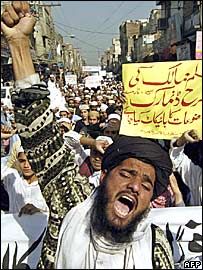 Pakistan protestors demonstrating against Prophet Muhammad cartoons