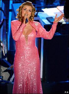 Katherine Jenkins sings in Trafalgar Square