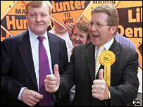 Lib Dems leader Charles Kennedy (l) and Mark Hunter