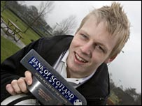 Steven Naismith with his Bank of Scotland award