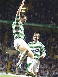 Roy Keane celebrates his first Celtic goal