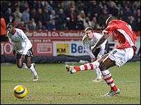 Darren Bent slots in Charlton's opener from the penalty spot