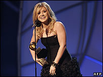 Kelly Clarkson with her Grammy Award