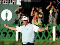 Montgomerie and his fans celebrate his birdie at the 18th