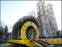 A statue of a cyclist is placed on the starting ramp next to Westminster Cathedral