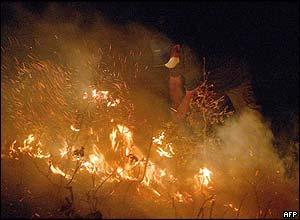 Volunteers fight fire