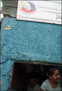 Mar�a Bernal, Barrio Bruzual, Caracas. Foto: Vladimir Hern�ndez.