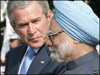 George W Bush y Manmohan Sigh