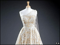 Gold tissue Hartnell gown overlaid with lace