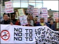 Lydd airport protesters