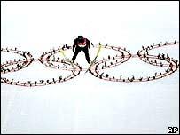 Georg Hettich, esquiador olímpico alemán compitiendo en Turín.