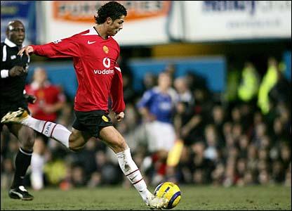Cristiano Ronaldo hits a thunderous left-foot shot