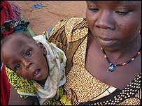 Mother and baby in Niger feeding centre