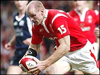 Captain Gareth Thomas scores his 35th try for Wales
