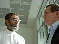 Питер Тейлор (справа) и Мохаммед Масари