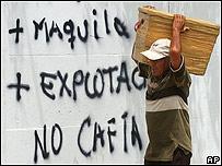 Graffiti contra el CAFTA.