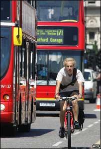 Ciclista en Londres.