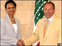 Condoleezza Rice shakes hands with President Emile Lahoud