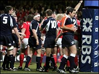 Referee Steve Walsh awards Wales a penalty try at the Millennium Stadium