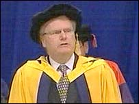 Sir Howard Stringer receiving his fellowship at Glamorgan University, 22 July 2005