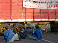 Residents of Gualeguaychu blocking the road