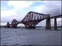 Forth Rail Bridge (Picture by Undiscovered Scotland)