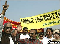 Greenpeace campaigners in India
