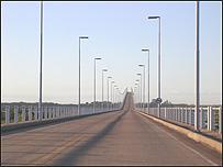 Puente que une Gualeguaychú con Fray Bentos.