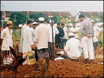 Funeral of 29-year-old Thant Zaw Oo, a Burmese Muslim