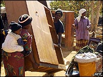 Evicted Zimbabweans