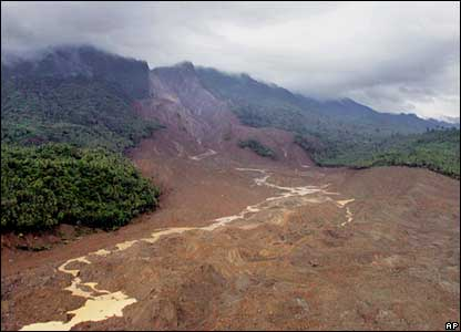 Aerial view showing the landslide site - 18/2/06