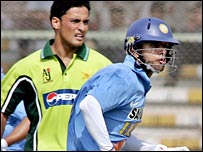 Arafat and Dravid in action
