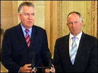 Peter Hain (l) and Dermot Ahern (r)
