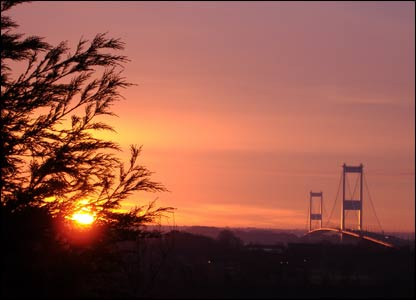 Sunrise over the Severn Bridge, as captured by Tabbs