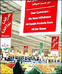 Saudi supermarket announcing the boycott of Danish goods
