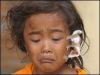Una ni�a v�ctima del tsunami en el oc�ano �ndico
