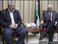 Ismail Haniya (l) with Mahmoud Abbas